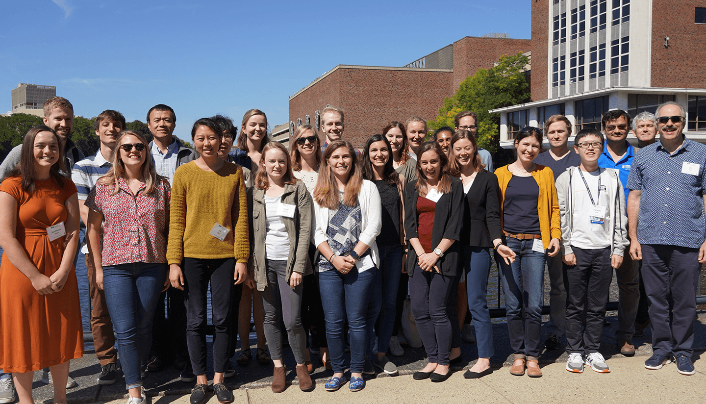 Group photo of the Zon lab.